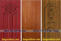 Cửa nhựa giả gỗ sungyu từ bột gỗ xay với hạt nhựa và keo chuyên dụng.