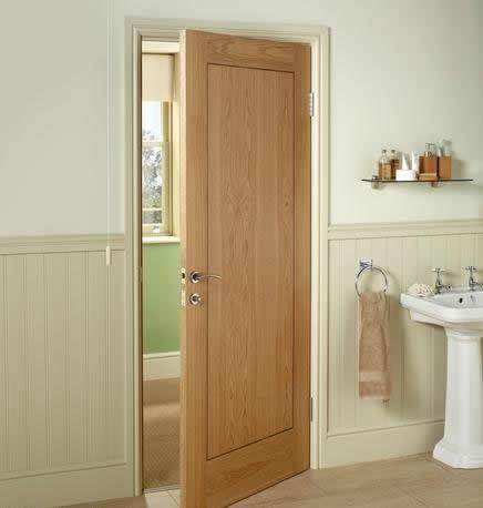 Những lưu ý khi chọn cửa gỗ nhà vệ sinh