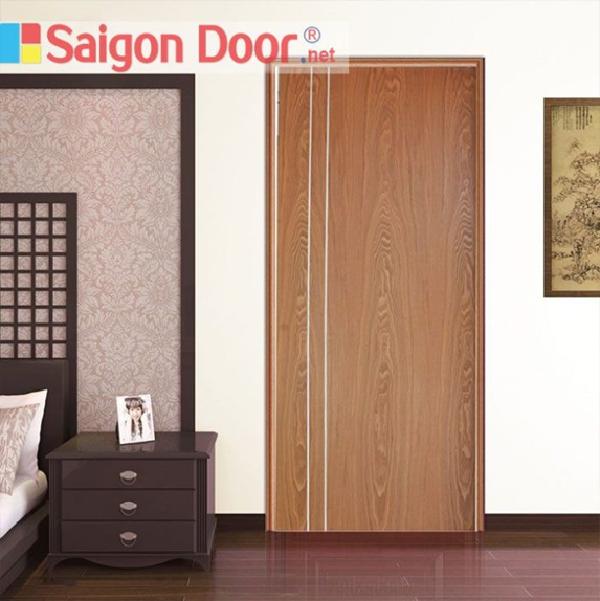 Cửa phòng ngủ với đường vân gỗ sang trọng, giống gỗ tự nhiên