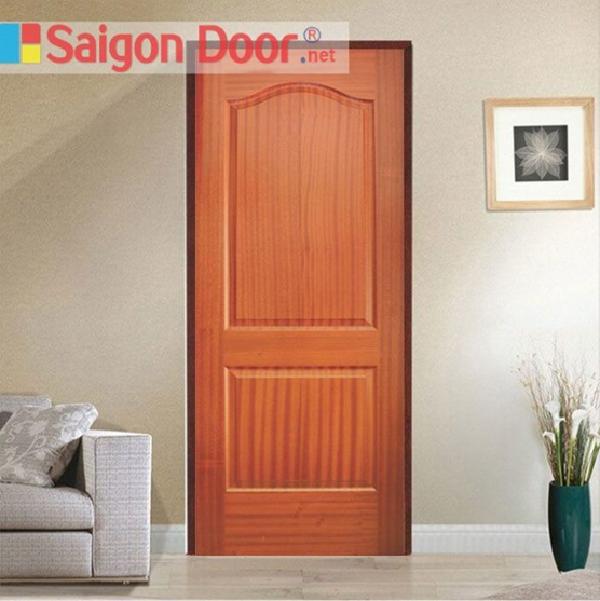 Mẫu cửa gỗ màu nâu đỏ có thiết kế đơn giản