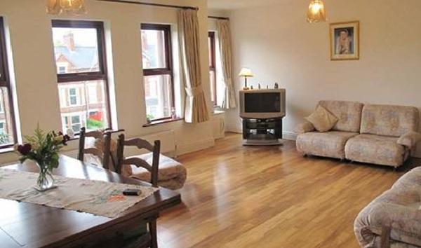 Gỗ Oak có thể được ứng dụng làm sàn gỗ