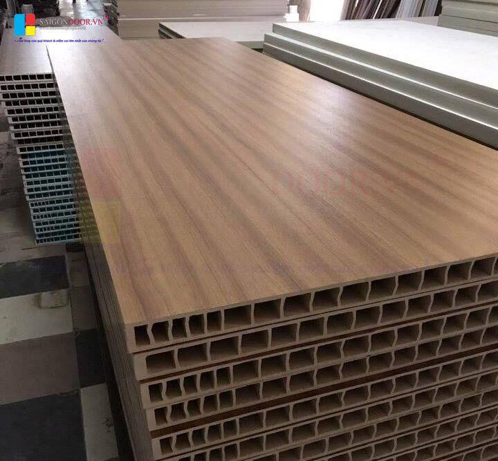 Tấm nhựa Composite tại xưởng